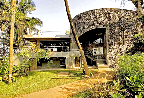 weekend house by matharoo associates